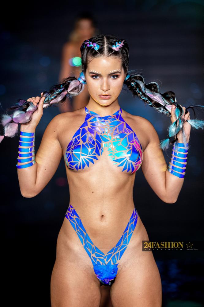 24Fashion TV BLACK TAPE PROJECT Art Hearts Fashion 24Fashion TV Miami Swim Week Natalie SvorsIMG 2007 1629755045 jpg