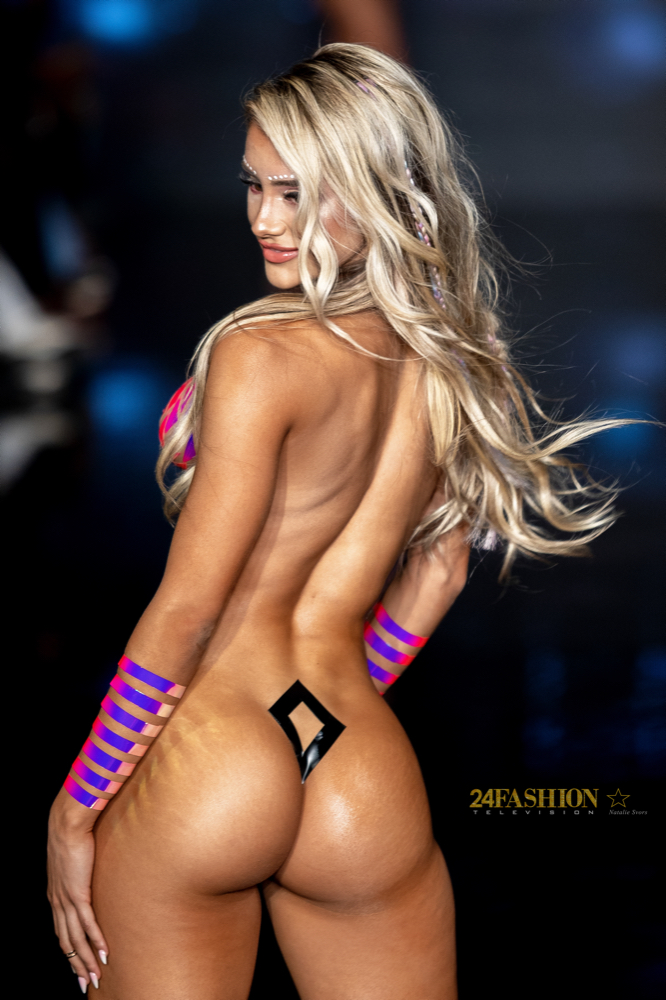 24Fashion TV BLACK TAPE PROJECT Art Hearts Fashion 24Fashion TV Miami Swim Week Natalie SvorsIMG 2040 1629755131 jpg