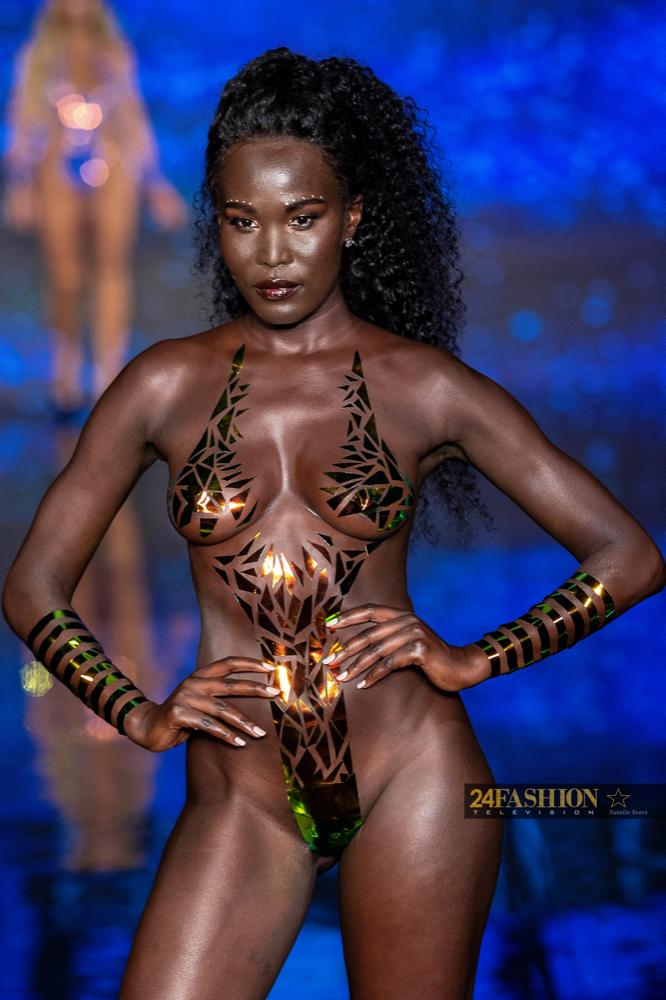 24Fashion TV BLACK TAPE PROJECT Art Hearts Fashion 24Fashion TV Miami Swim Week Natalie SvorsIMG 2082 1629755188 jpg