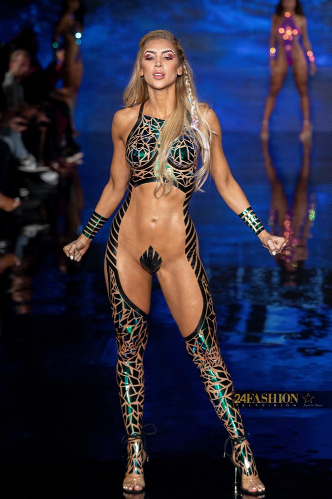 24Fashion TV BLACK TAPE PROJECT Art Hearts Fashion 24Fashion TV Miami Swim Week Natalie SvorsIMG 2092 1629755219 jpg