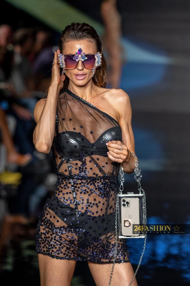 24Fashion TV HOUSE OF SKYE SEXYBACK BRA Art Hearts Fashion 24Fashion TV Miami Swim Week Natalie SvorsIMG 1822 1629754216 jpg