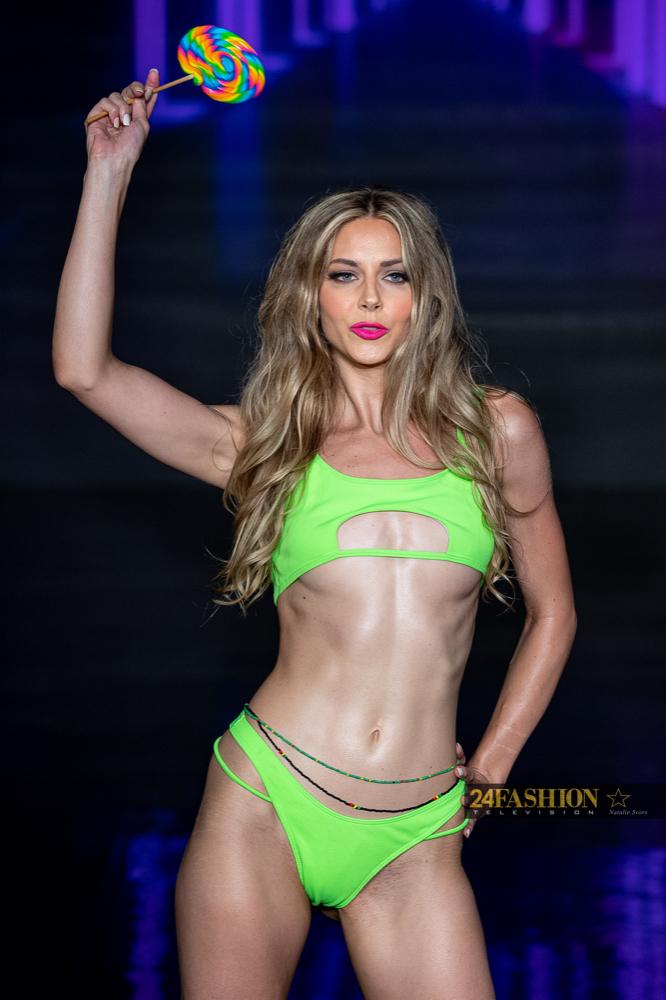 24Fashion TV Risque Dukes Swim Apparel Art Hearts Fashion 24Fashion TV Miami Swim Week Natalie SvorsIMG 0325 1627928845 jpg