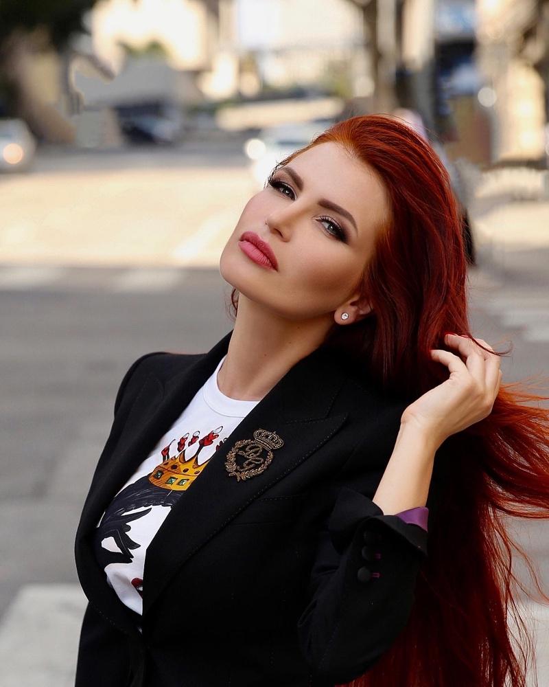 Natalie Svors Designer, Photographer