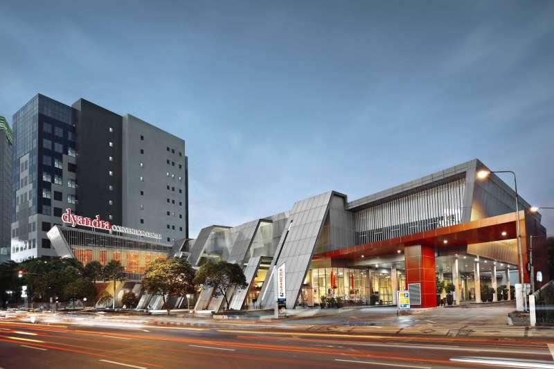 Dyandra Convention Center