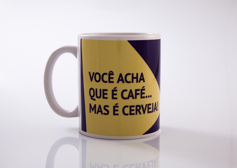 Caneca Você acha que é Café, mas é Cerveja - AlamparinA