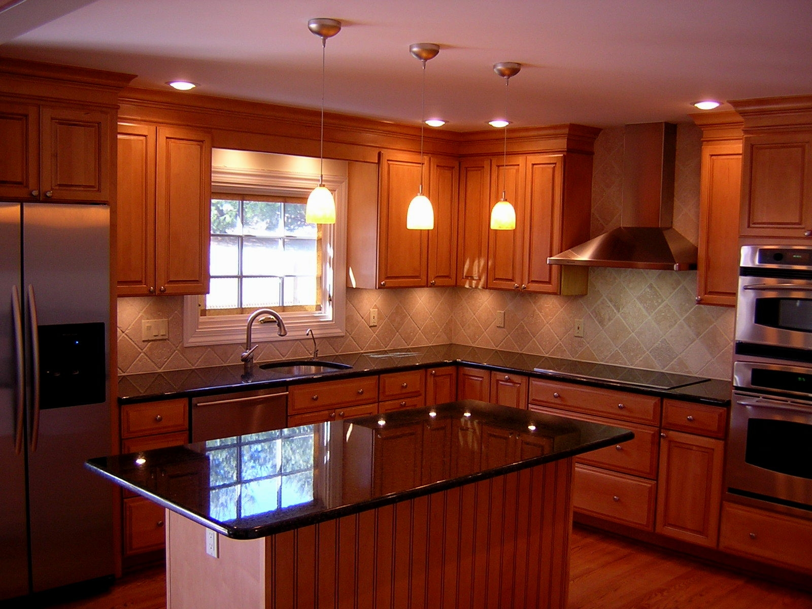 Cherry Wood Kitchen Decorating Ideas