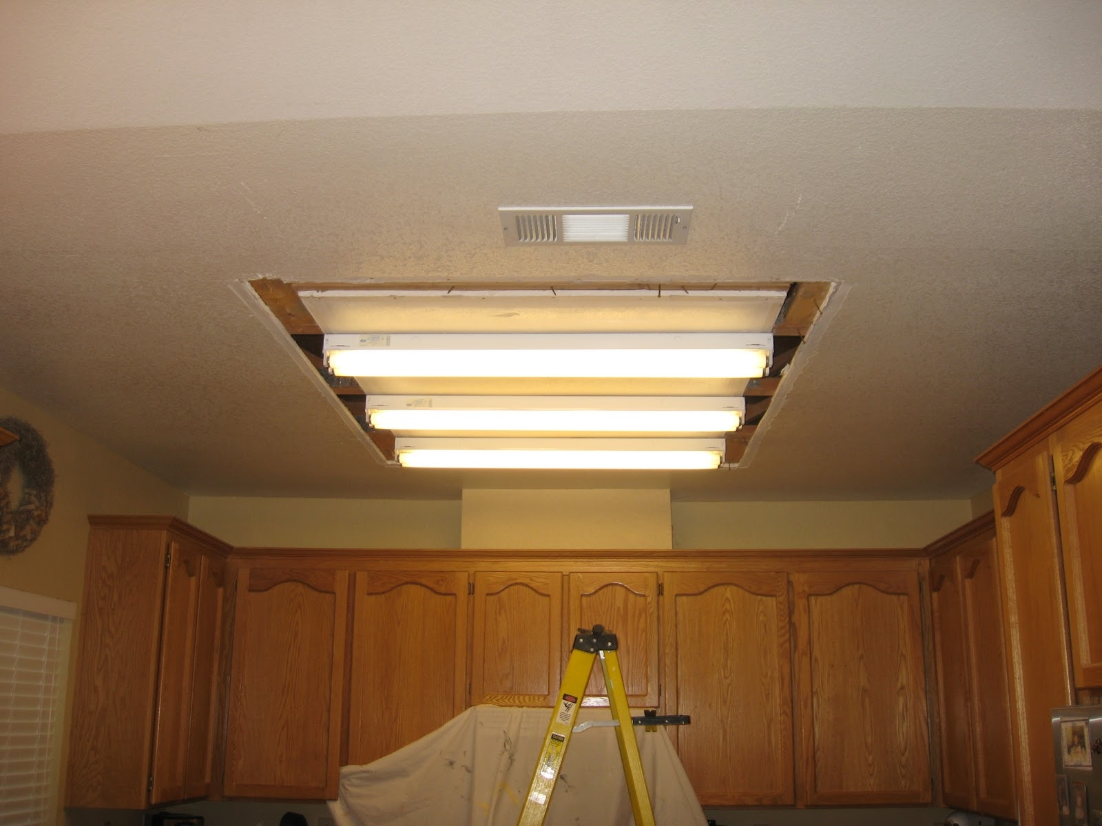 Decorative Fluorescent Kitchen Lighting