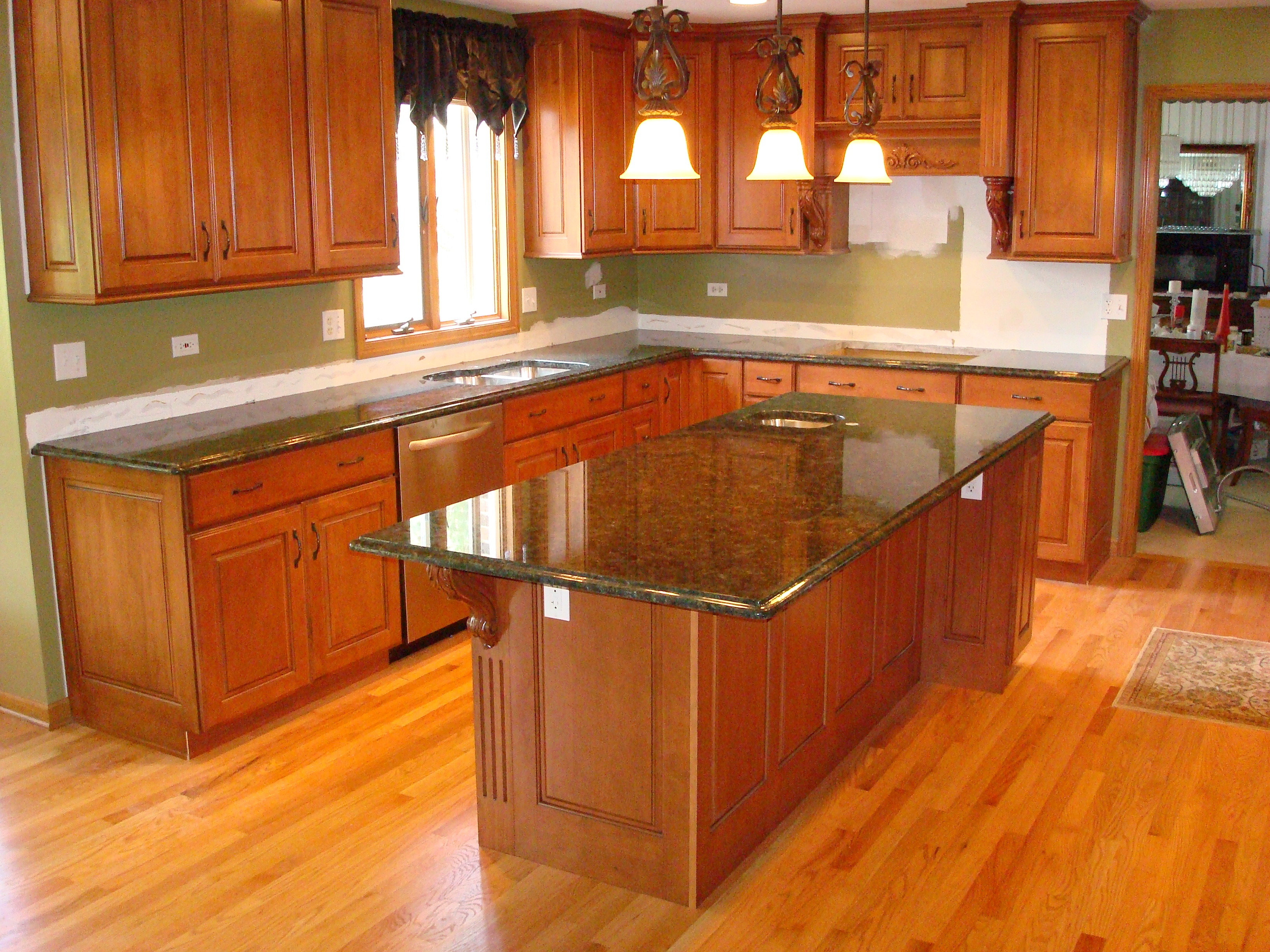 Kitchen Decorating With Green Countertops