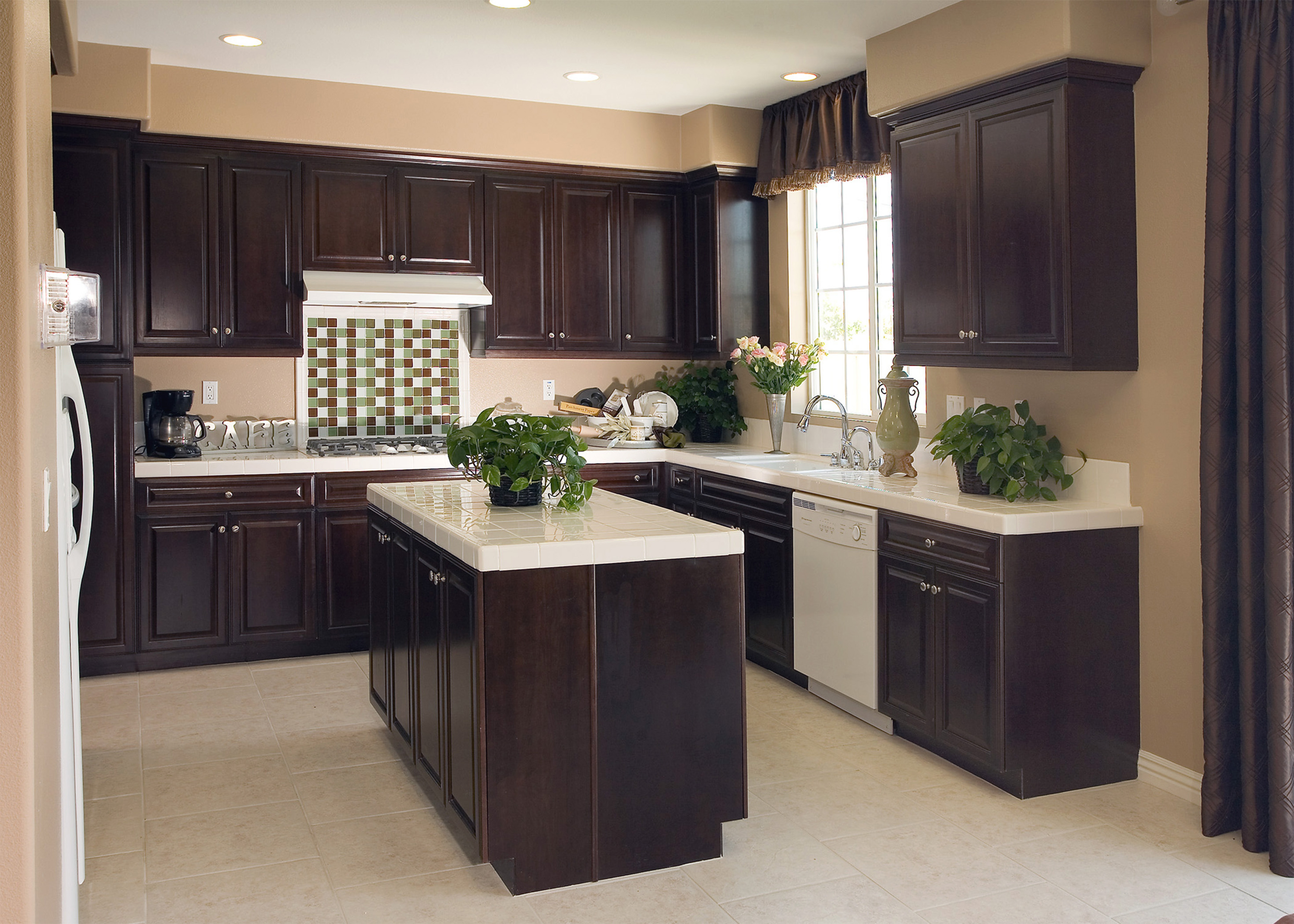Decorating A Kitchen With Dark Cabinets4288 X 3063