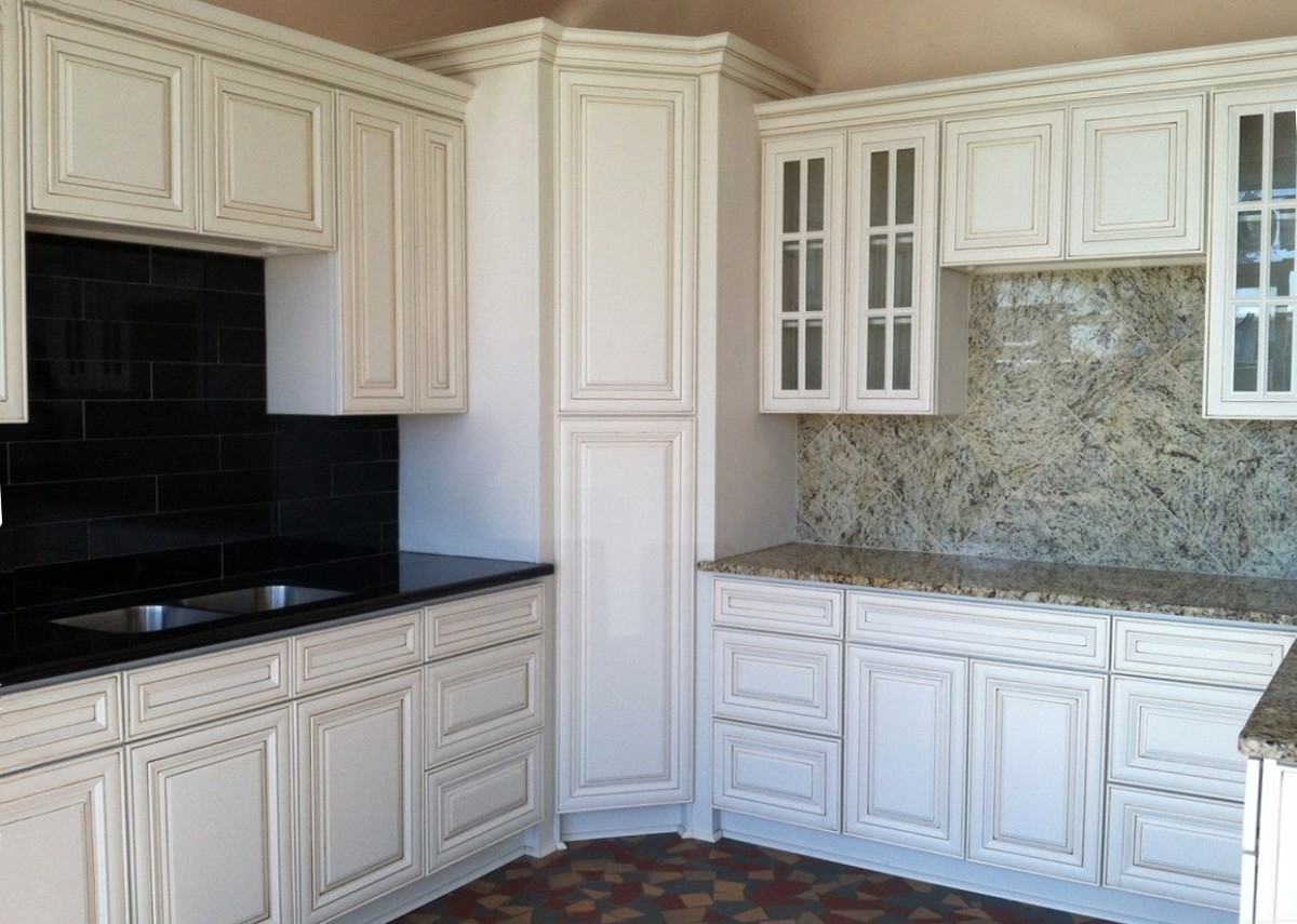 Decorating Kitchen Cabinets Doors
