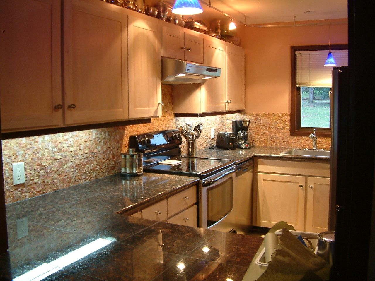 Decorating Kitchen Walls With Tiles