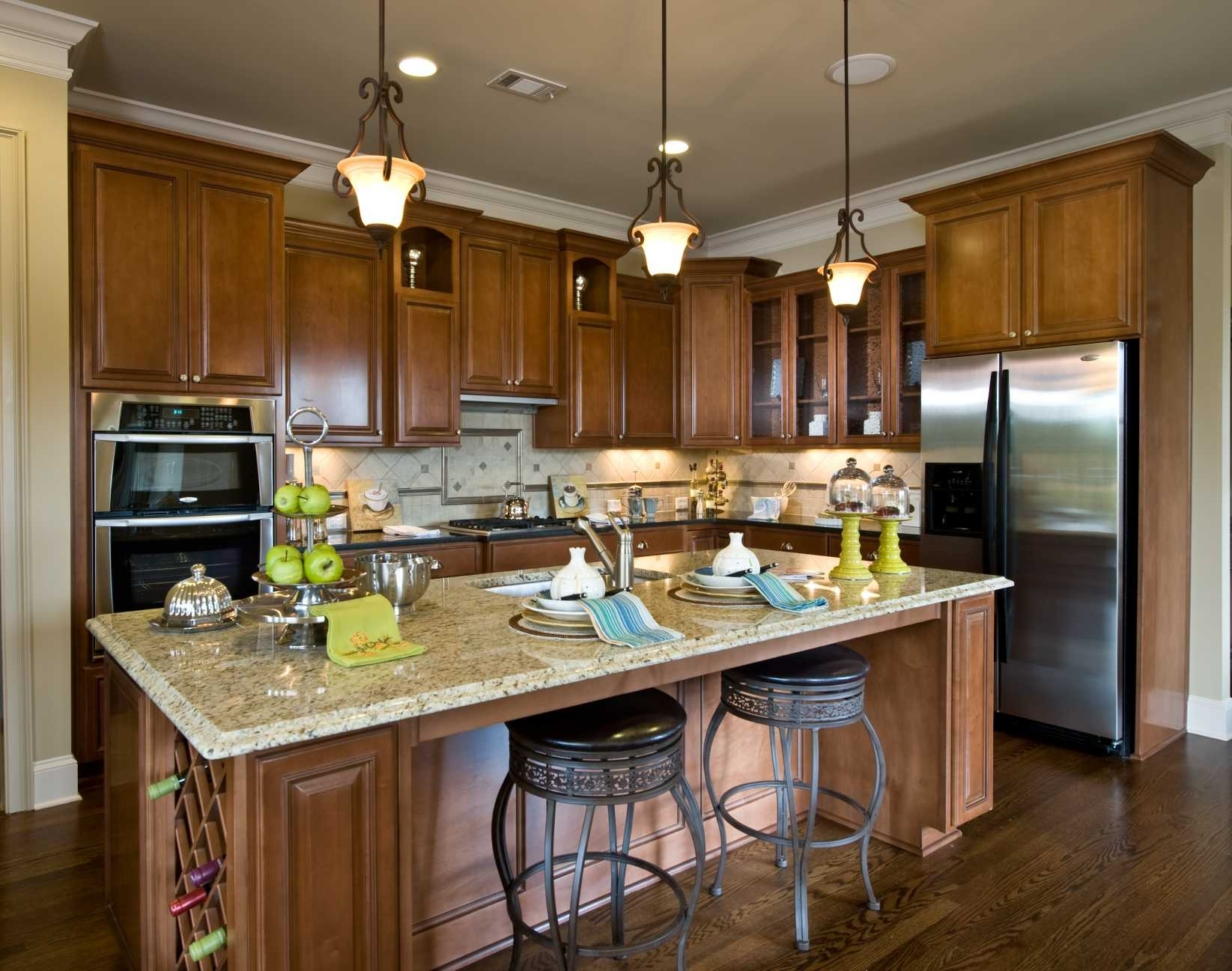 Decorating Small Kitchen Islands