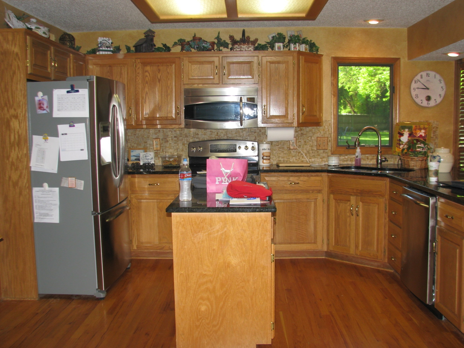 Decorative Pieces For Kitchen Cabinets