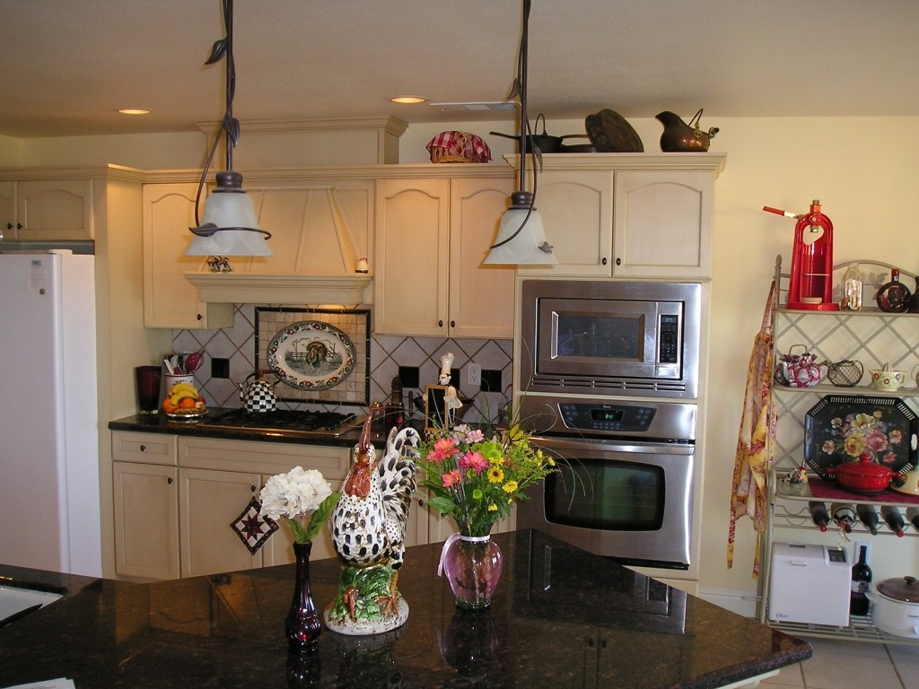 French Cafe Themed Kitchen Decor