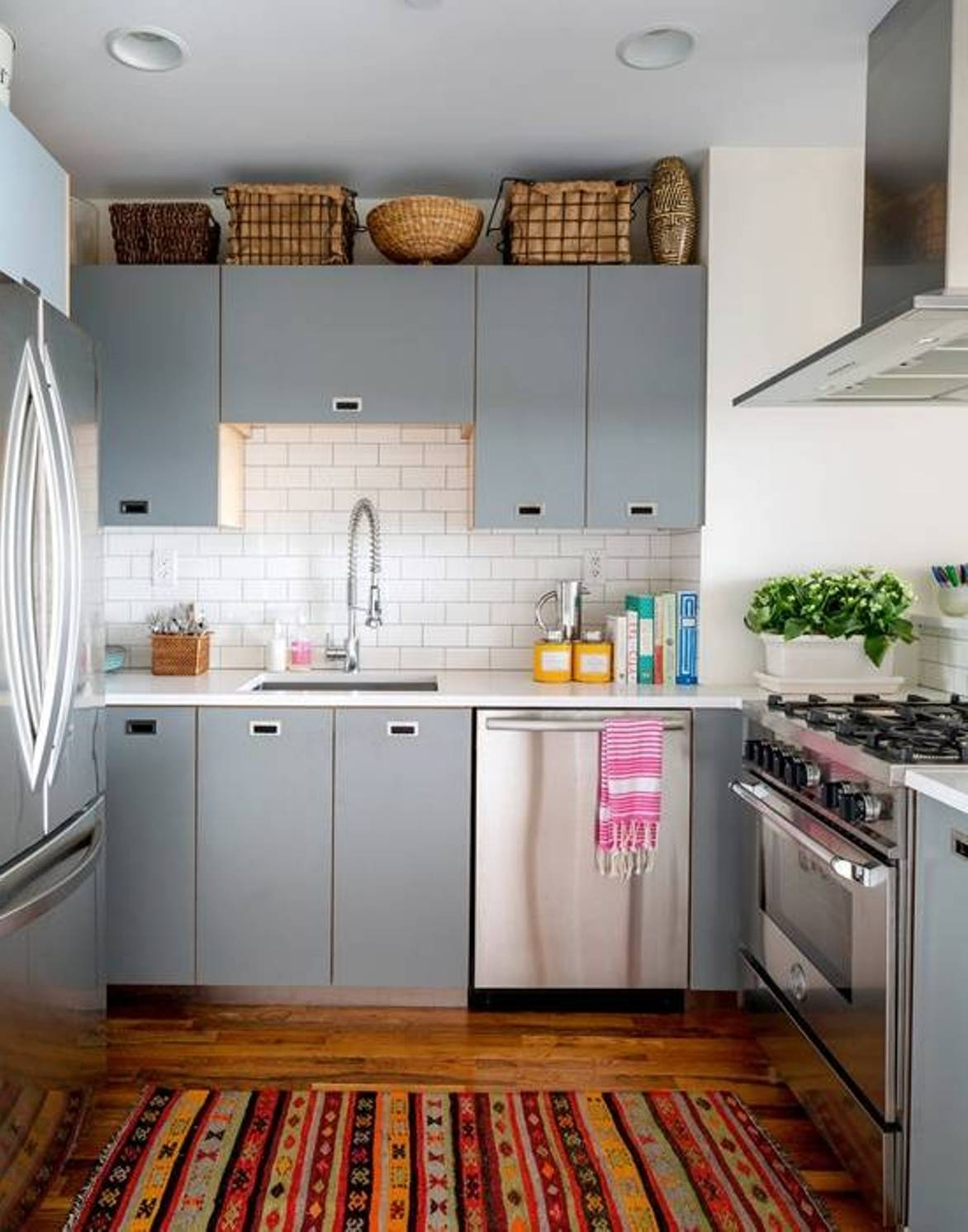 Ideas To Decorate A Small Kitchen