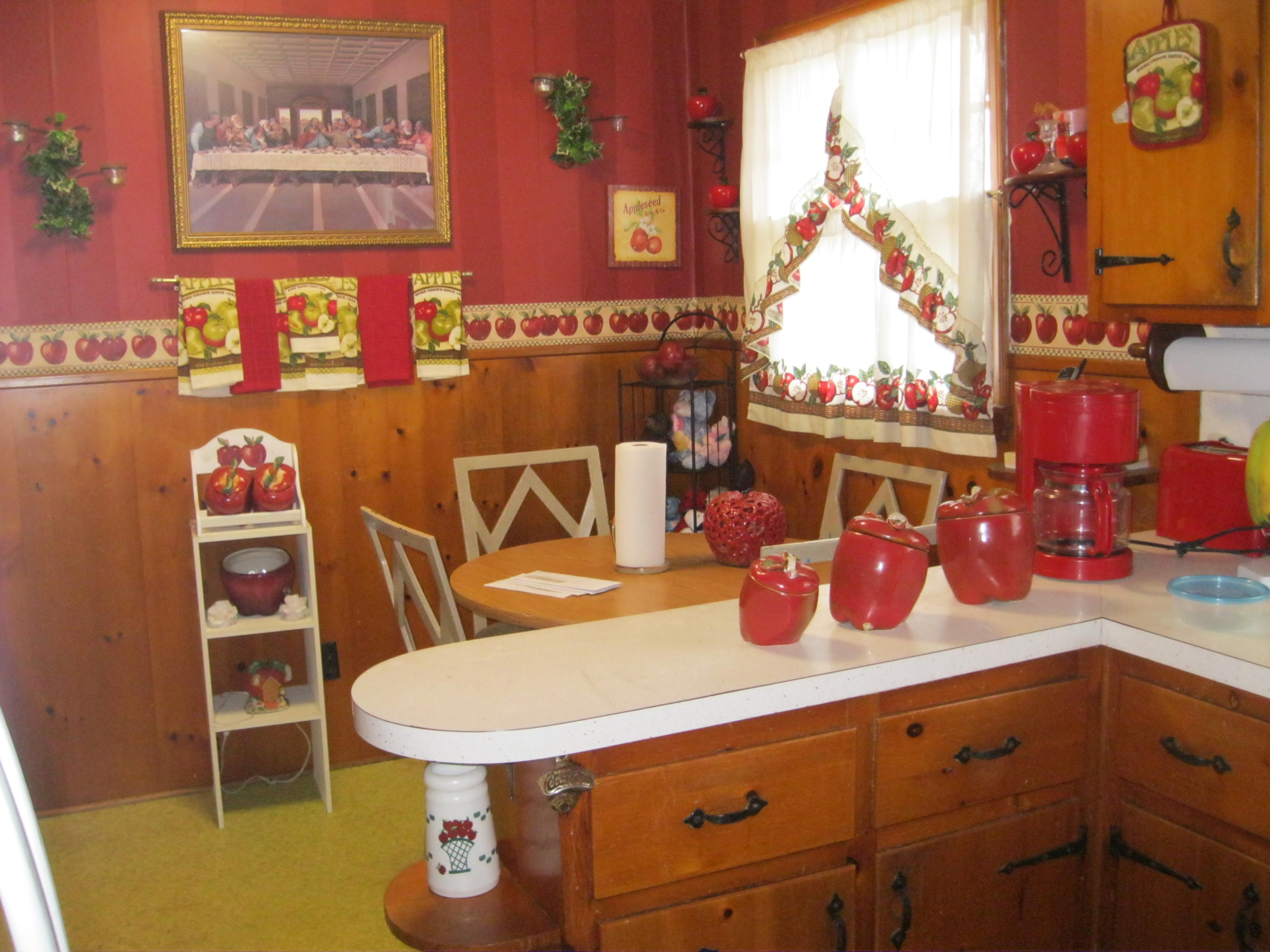 Kitchen Decorating Themes Apples