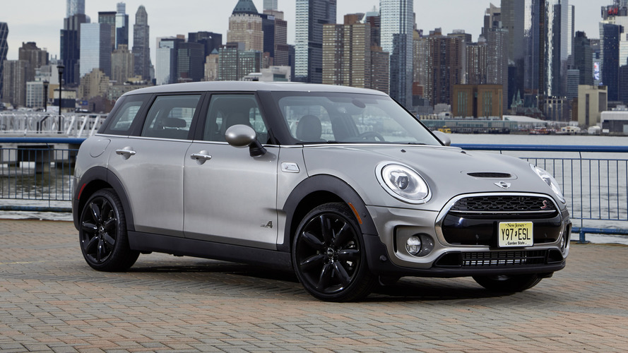 12 A 2020 Mini Cooper Clubman Wallpaper
