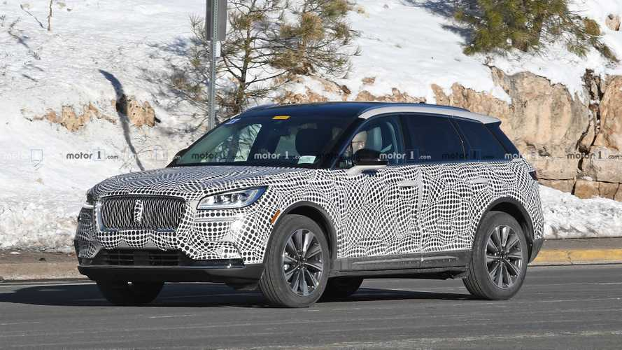 13 The 2020 Lincoln MKS Spy Photos Speed Test