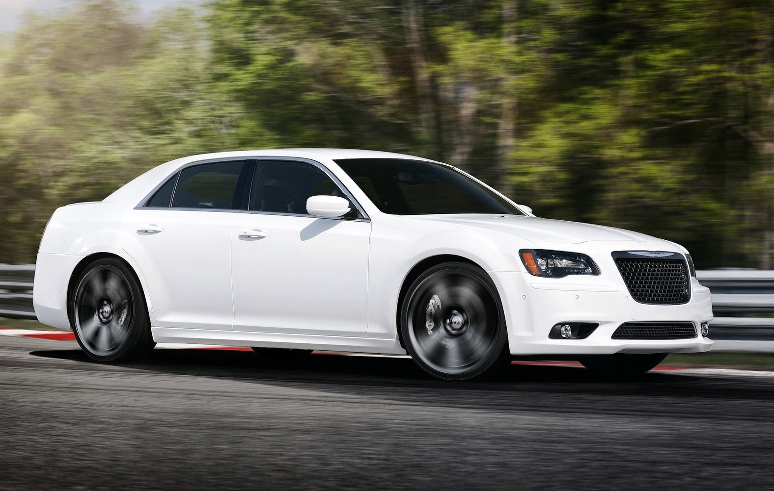 15 A 2019 Chrysler 300 Srt8 Redesign and Concept