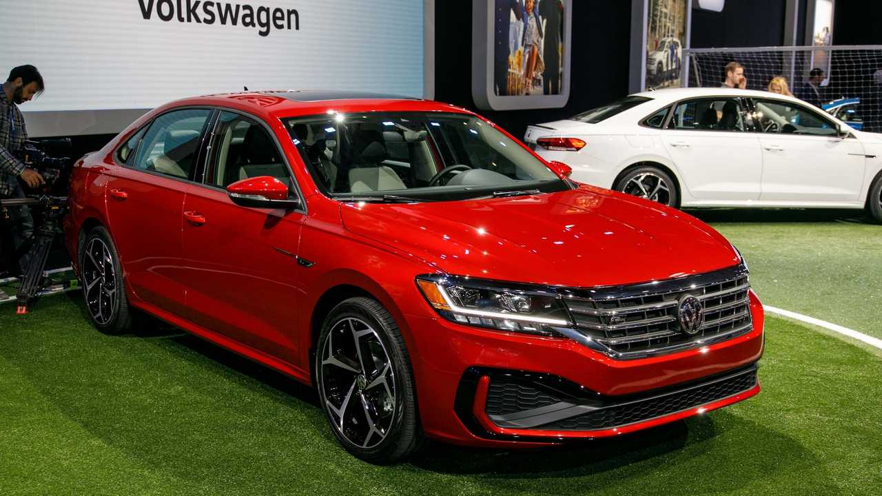 16 A 2020 Vw Passat Photos