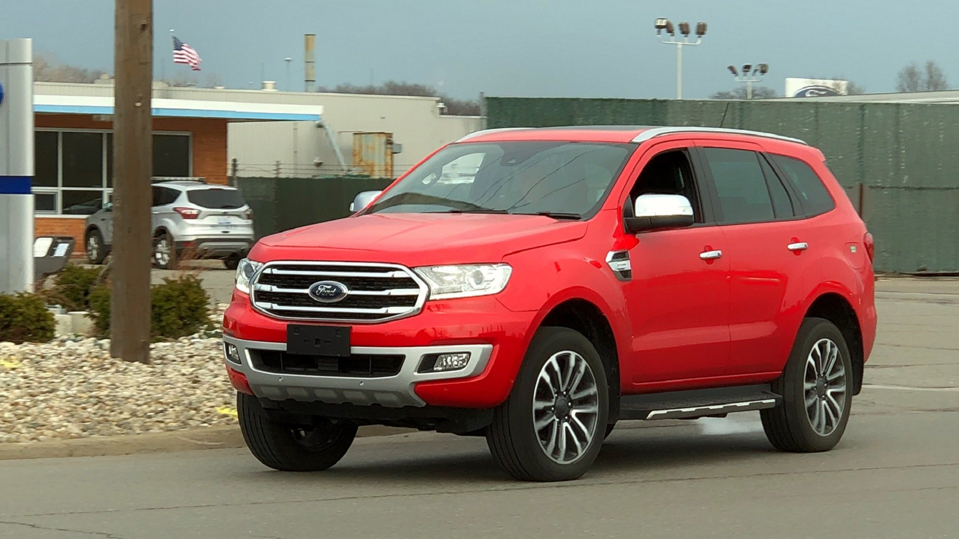 17 A 2020 Ford Everest Model