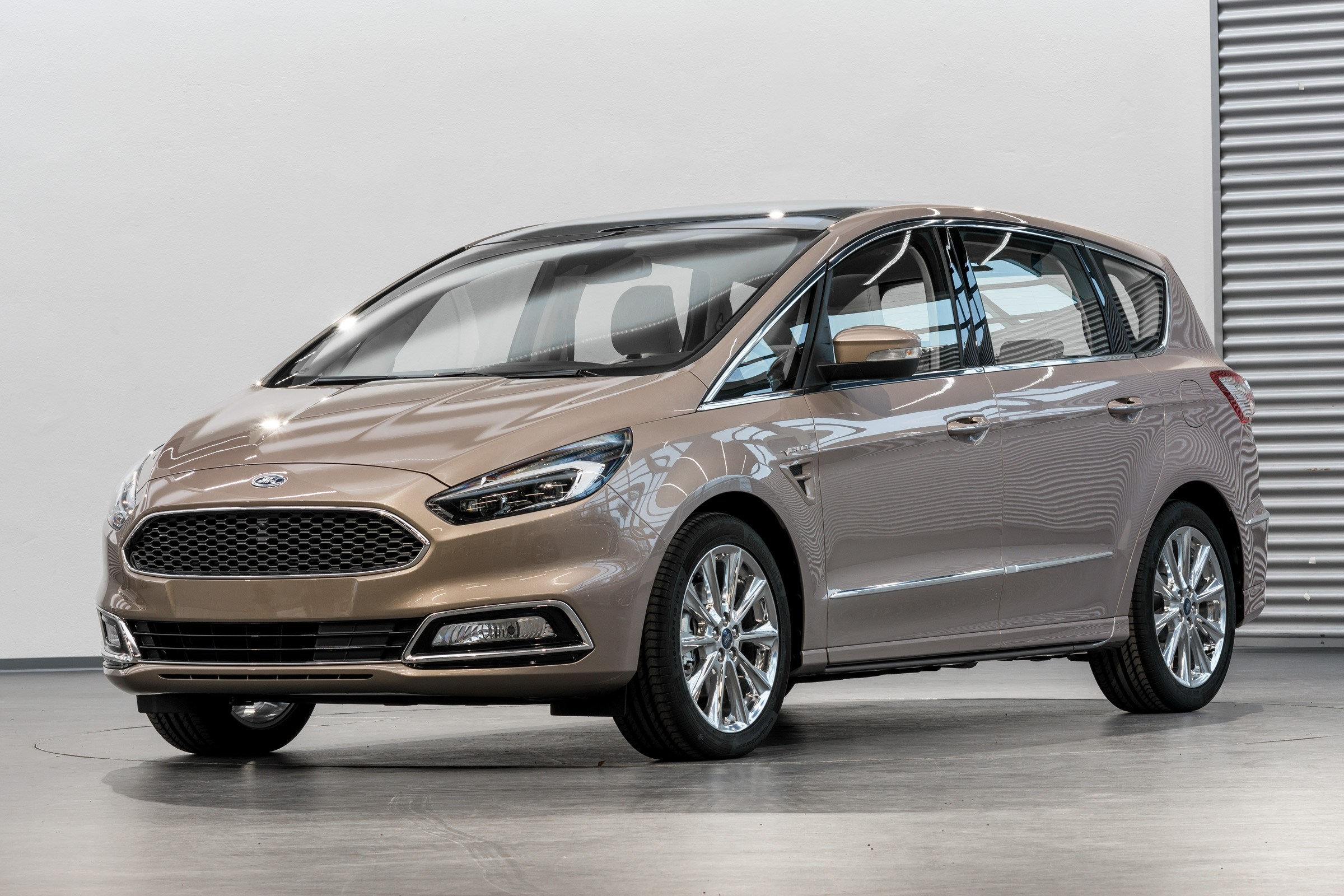 17 A 2020 Ford S Max Overview