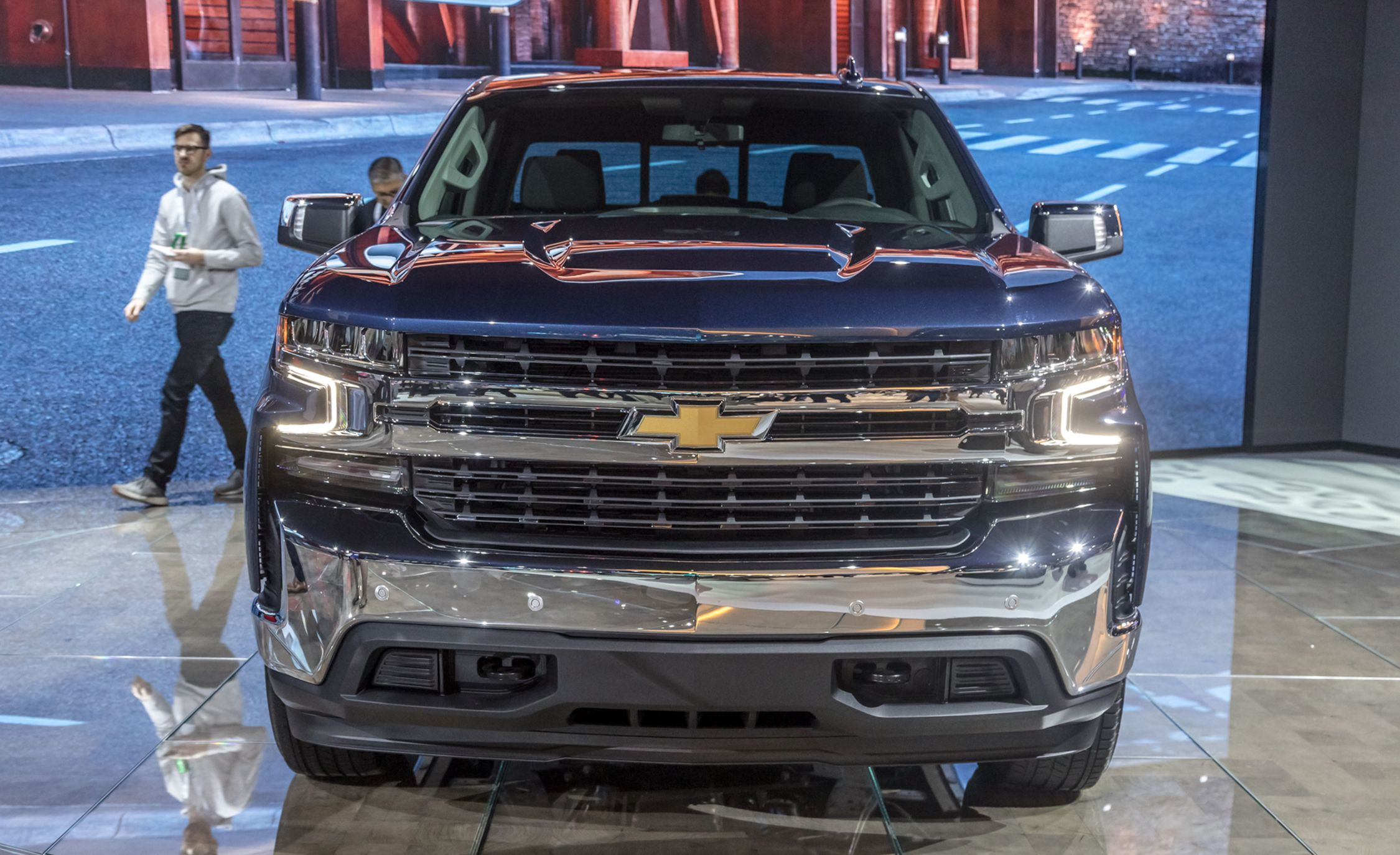 17 All New 2019 Silverado 1500 New Model and Performance