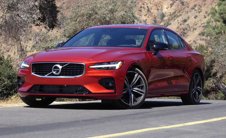 17 New 2019 Volvo S60 R Style