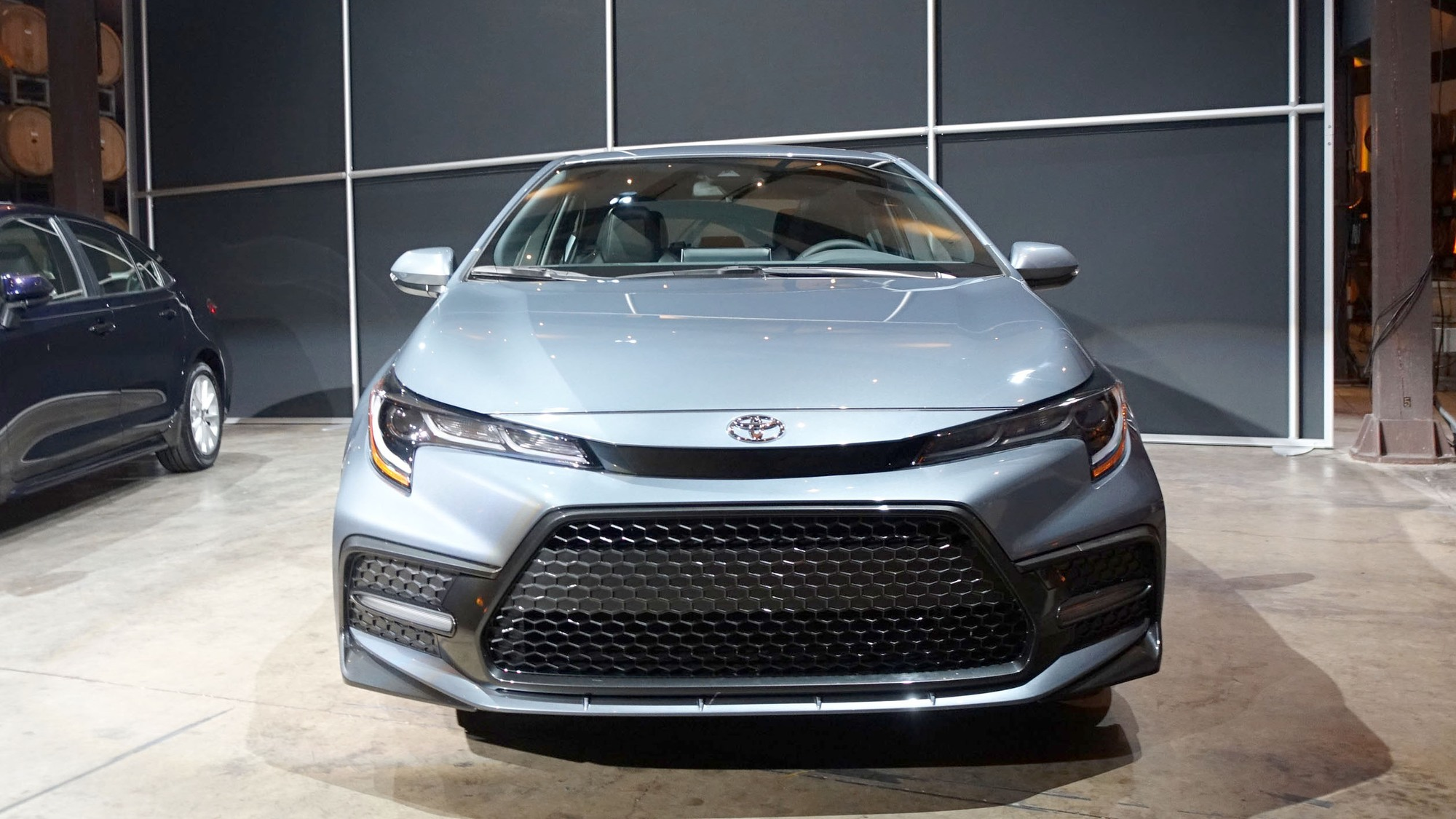 17 New 2020 Toyota C Hr Compact Picture