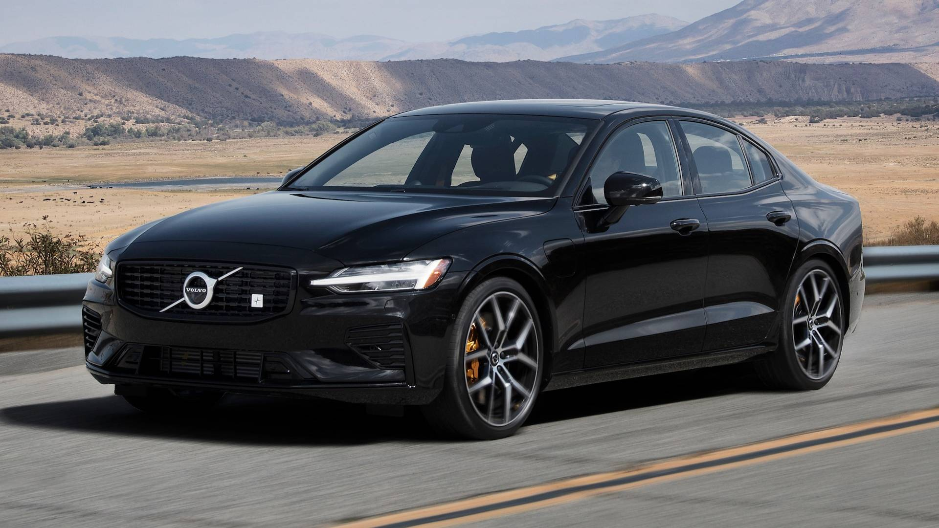 18 All New 2019 Volvo S60 R Style