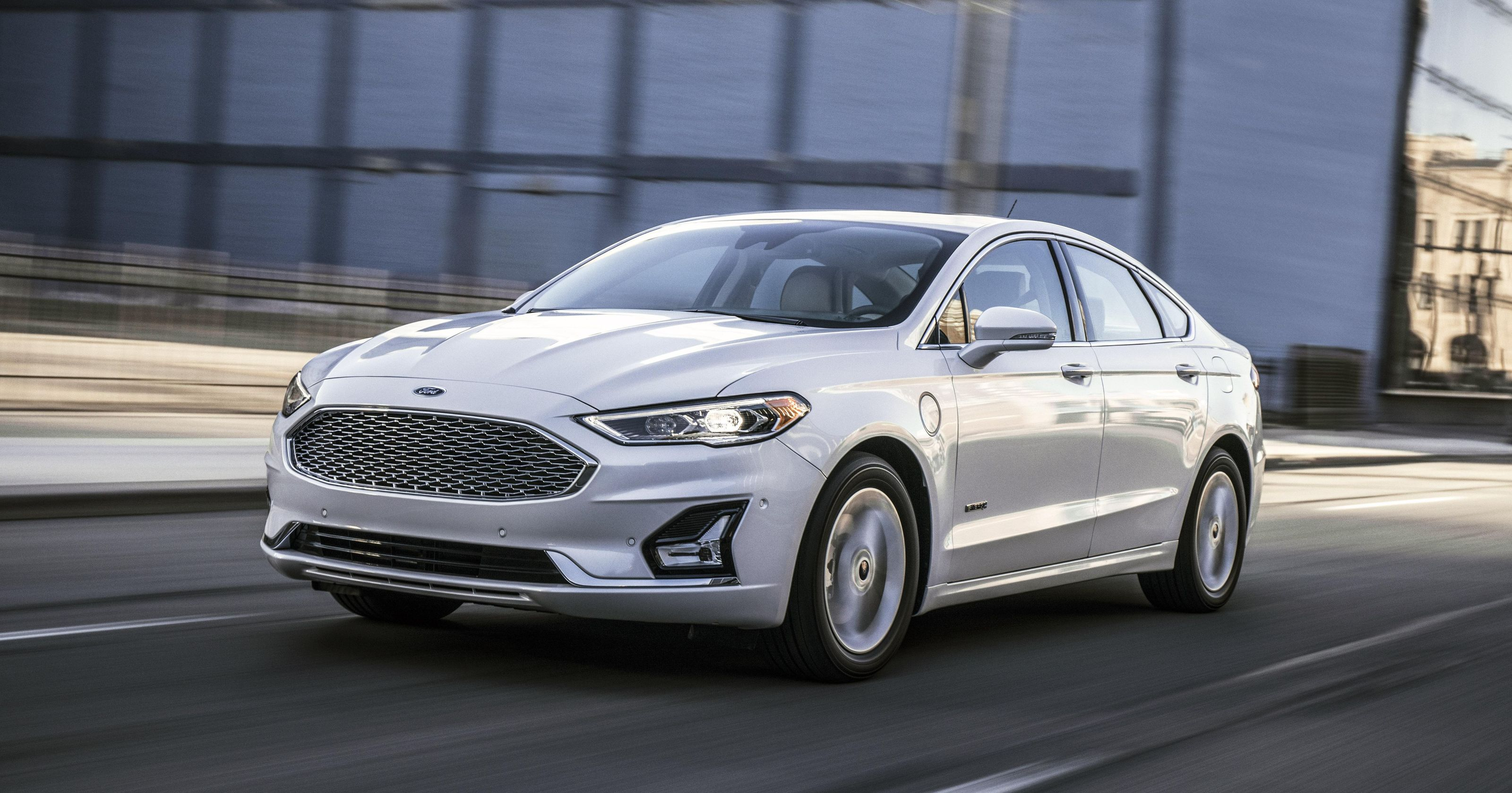 19 A 2020 Ford Fusion Energi Wallpaper