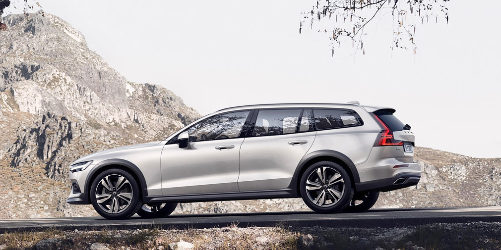 19 New 2019 Volvo V60 Cross Country Configurations