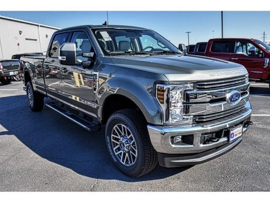 21 A 2019 Ford F350 Super Duty Exterior and Interior