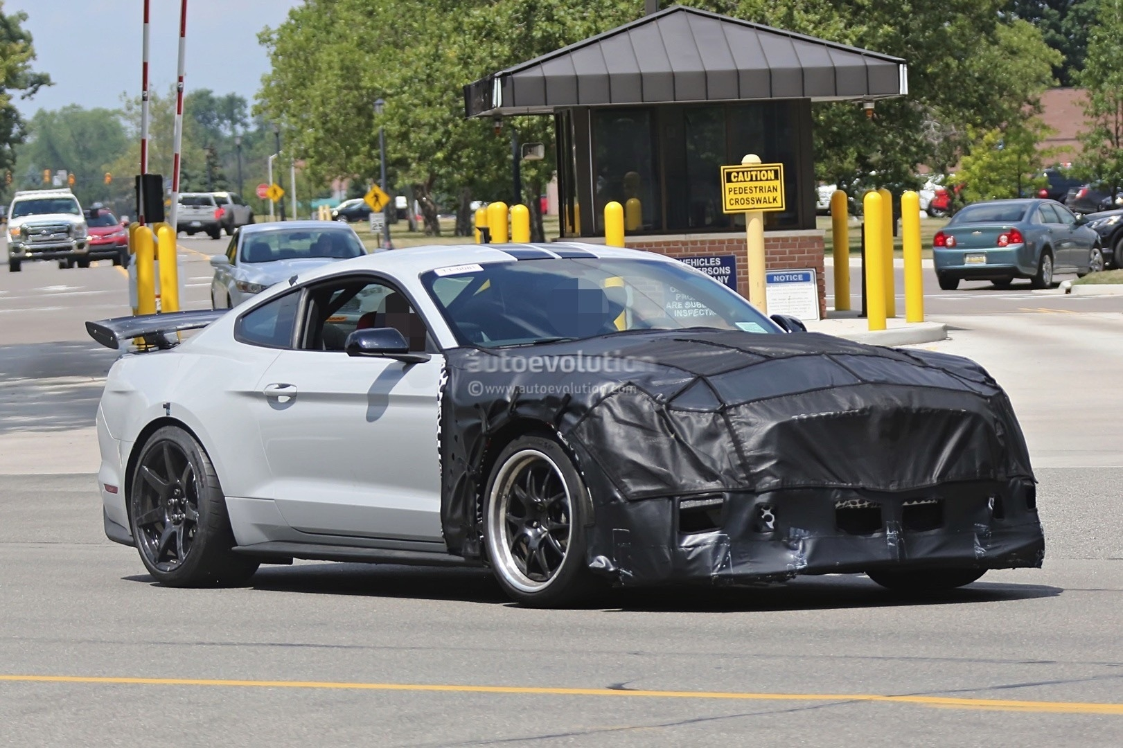 21 A Spy Shots Ford Mustang Svt Gt 500 Release Date