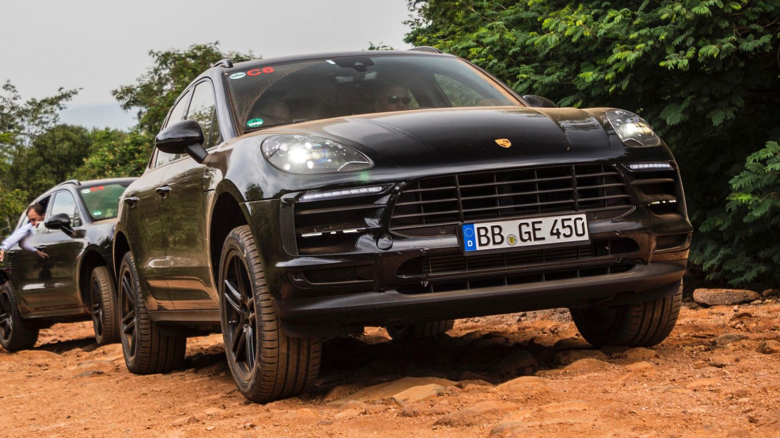 22 The 2019 Porsche Macan Turbo Exterior