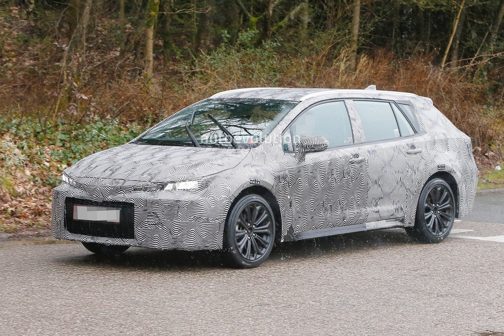 24 A 2020 New Toyota Avensis Spy Shots New Model and Performance