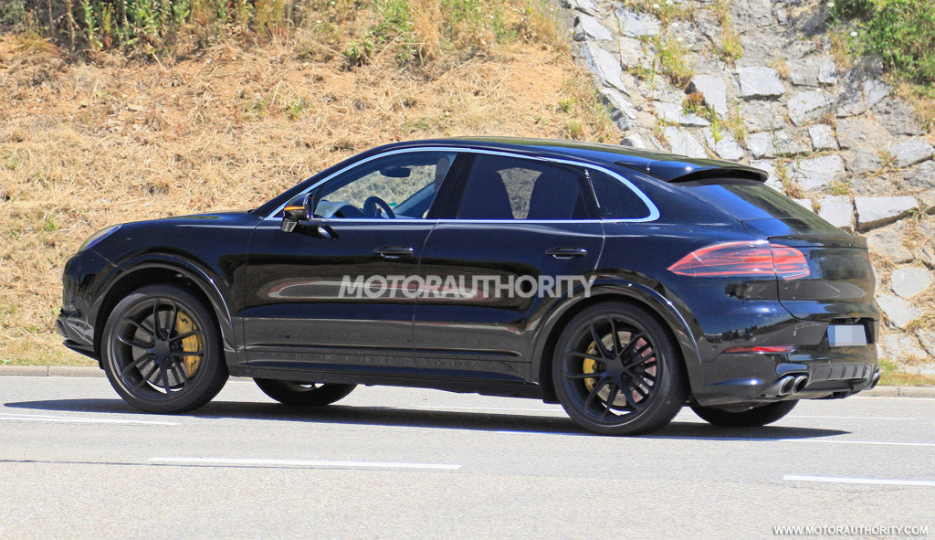 26 New 2020 Porsche Cayenne Model Performance and New Engine