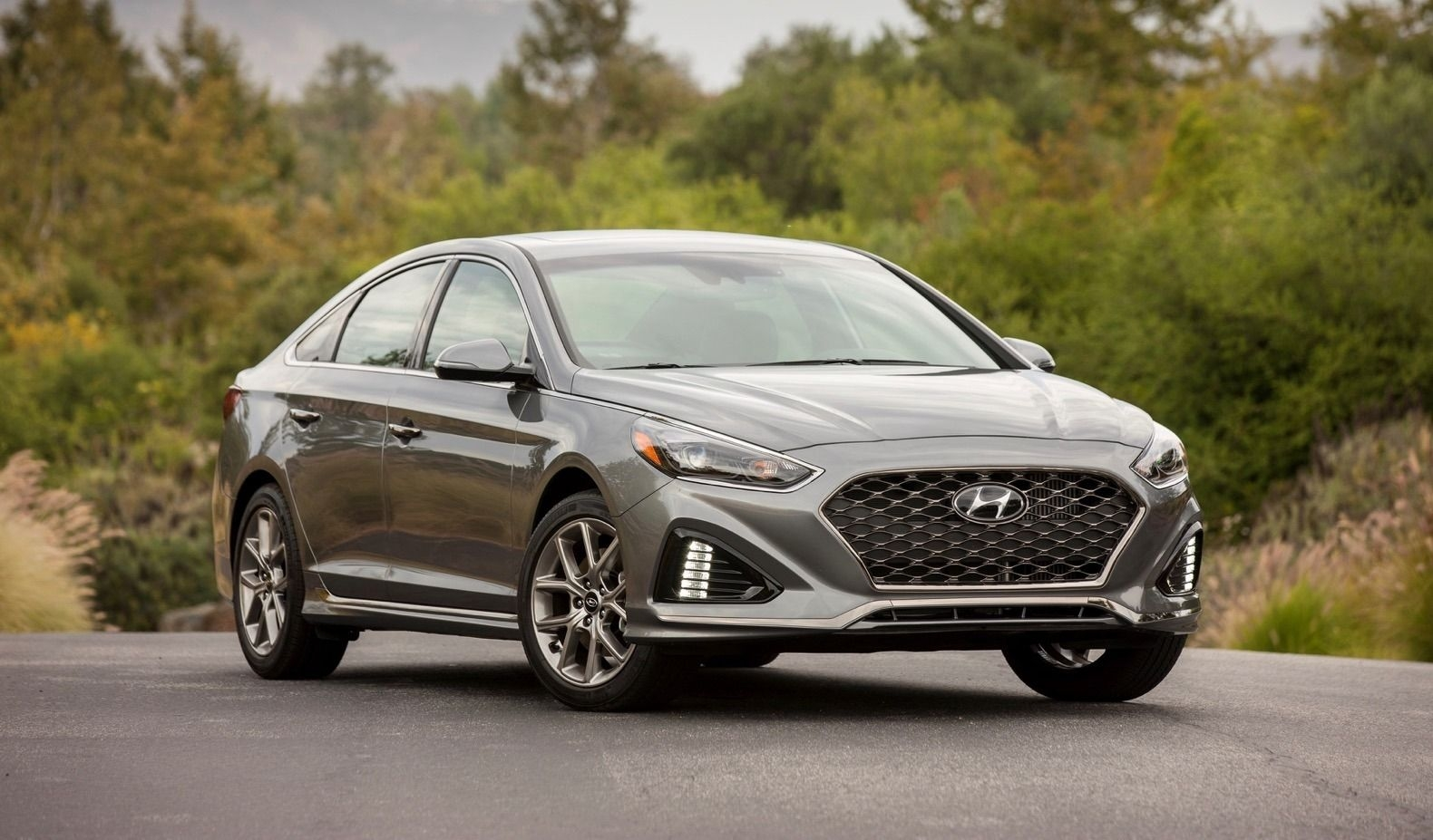 27 A 2020 Hyundai Sonata Hybrid Sport Reviews