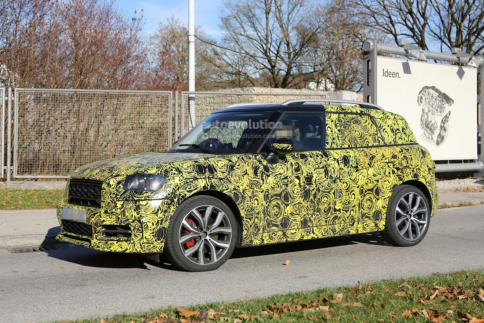 27 All New Spy Shots Mini Countryman Configurations