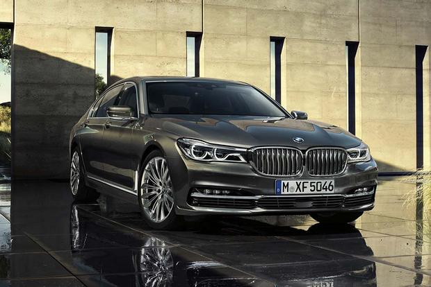 29 A 2020 BMW 750Li Exterior and Interior