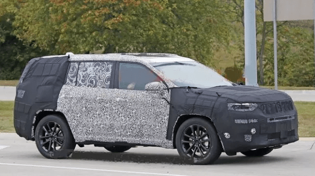 29 The 2020 Grand Cherokee Srt Style
