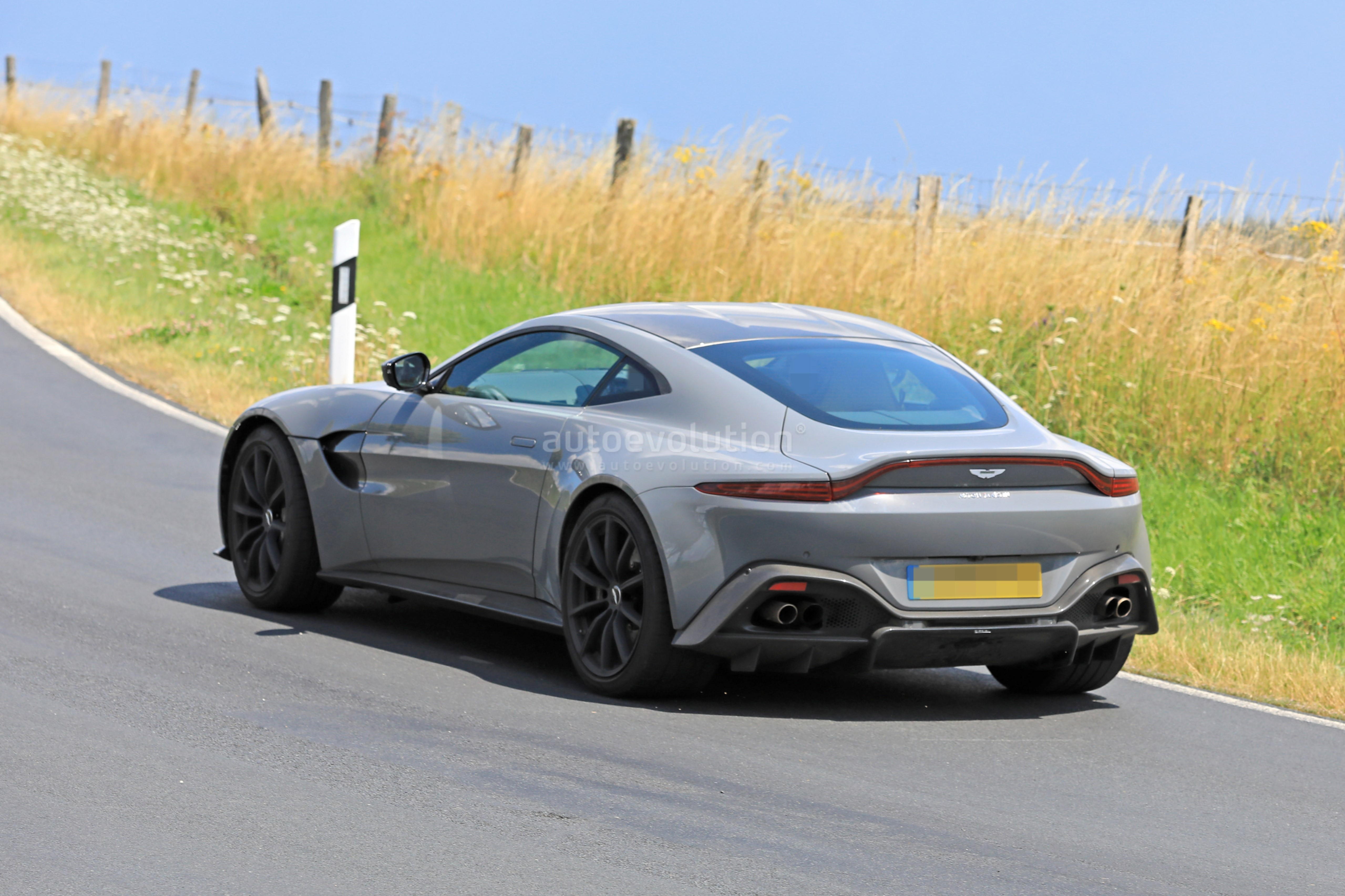 31 A 2020 Aston Martin Vanquish Picture
