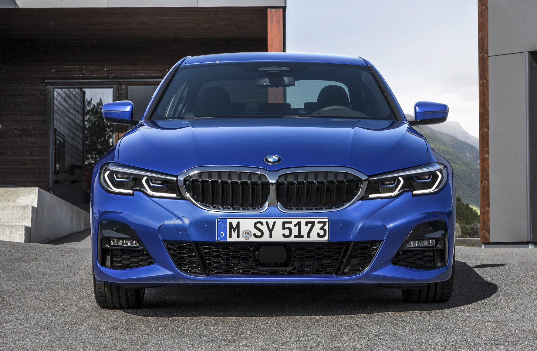 31 A 2020 BMW 3 Series Brings Exterior