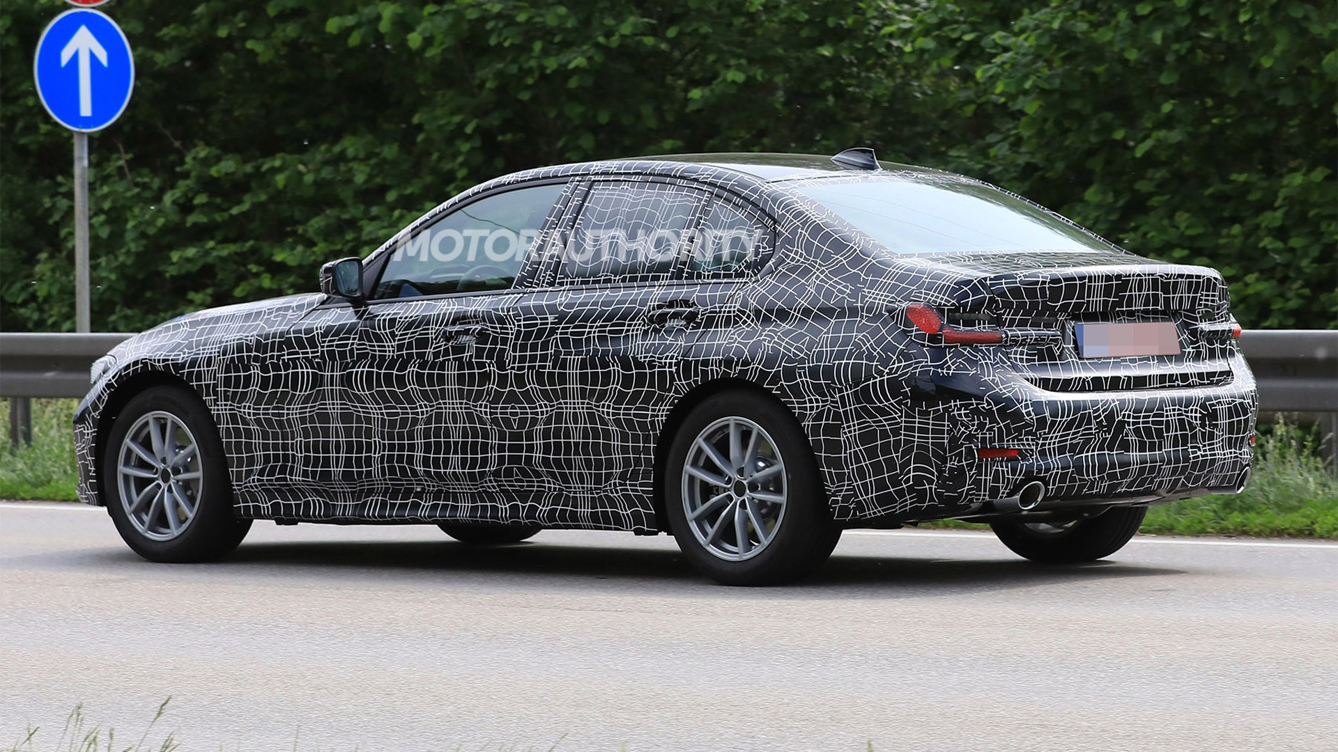 31 A Spy Shots BMW 3 Series Exterior