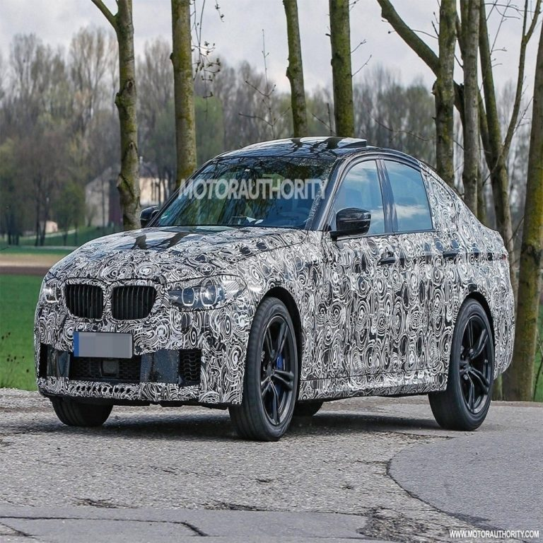 32 A 2020 BMW X4ss Spy Shoot