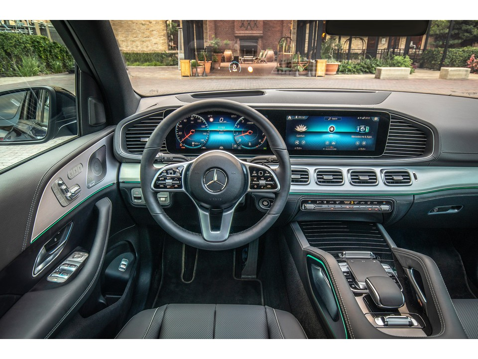 32 A 2020 Mercedes GLE Review