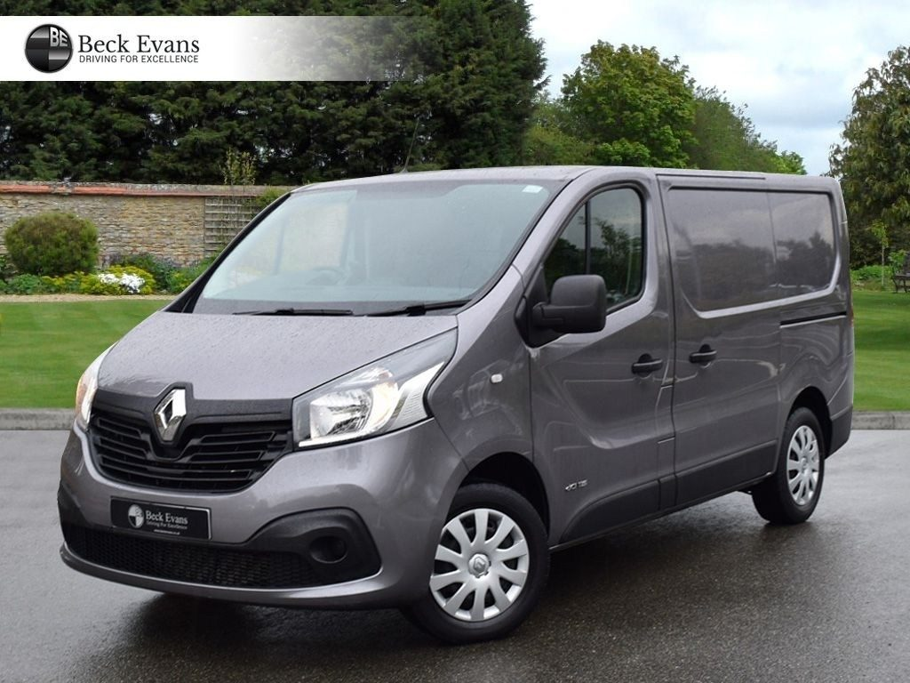 35 A 2020 Renault Trafic Reviews