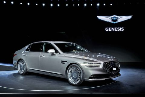 44 The 2020 Hyundai Genesis Overview