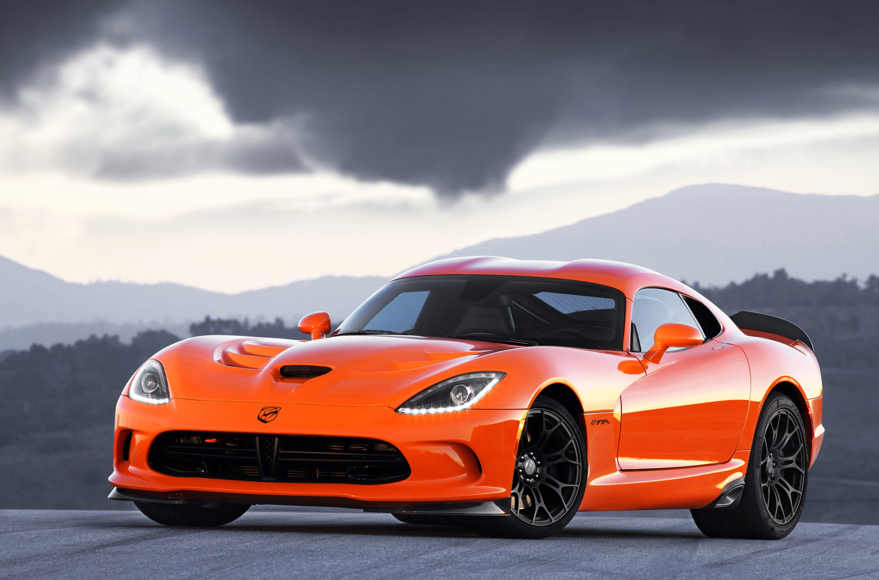 45 A 2020 Dodge Viper ACR Performance and New Engine