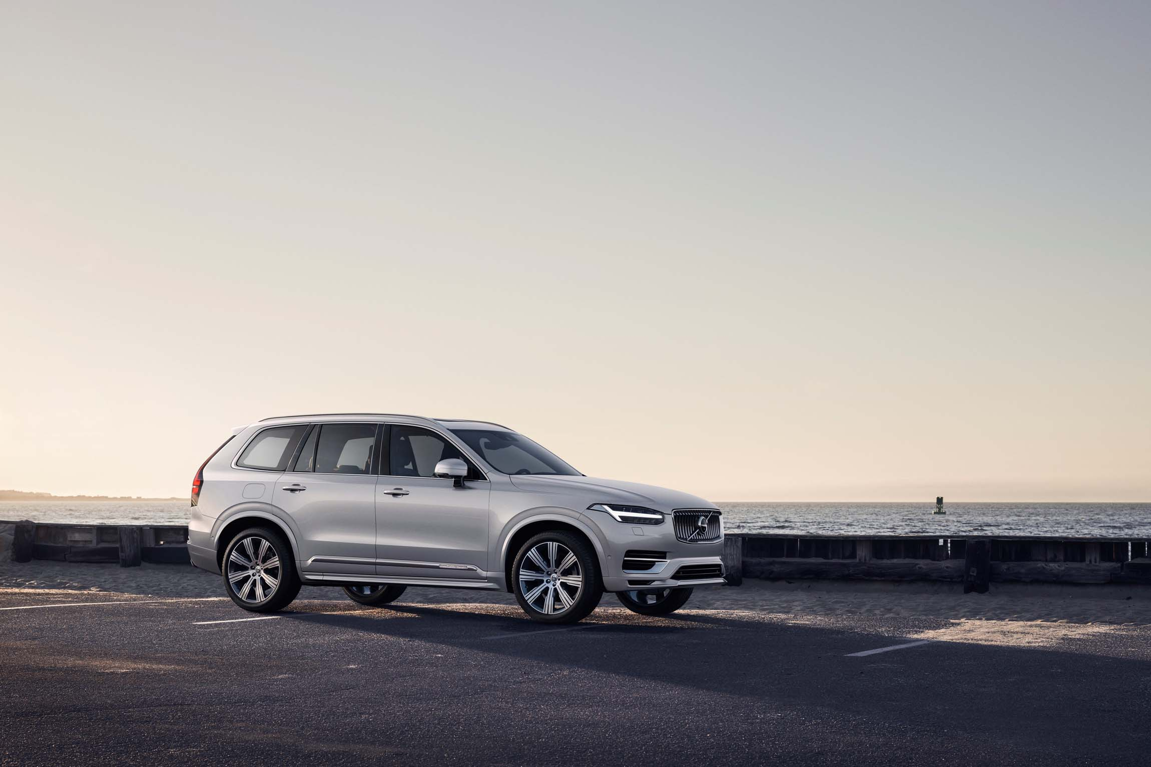 46 A 2020 Volvo V90 Specification History
